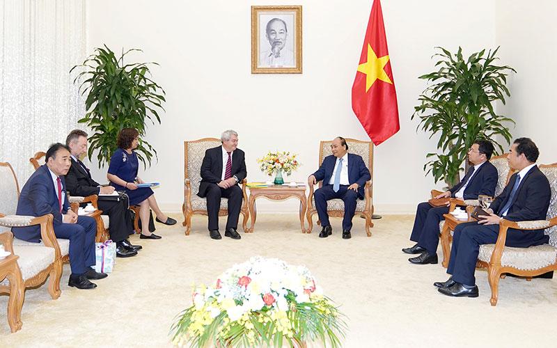 Thủ tướng hoan nghênh Séc nối lại cấp thị thực cho lao động Việt Nam
